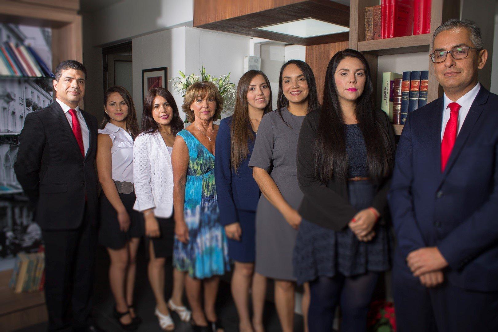 cuánto ganan los abogados en Chile